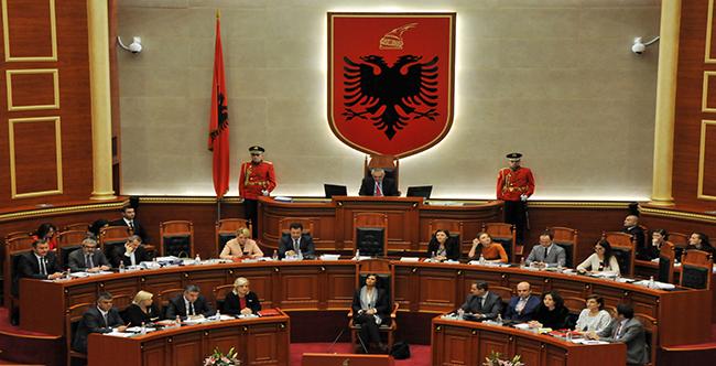 Kryeparlamentarja italiane në Seancën e Kuvendit të Shqipërisë
