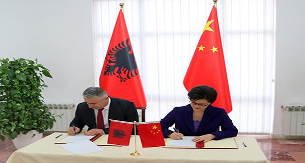 Marrëveshja e bashkëpunimit me Ambasadoren Kineze