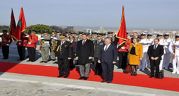 Presidenti i Sllovenisë homazhe në Varrezat e Dëshmorëve